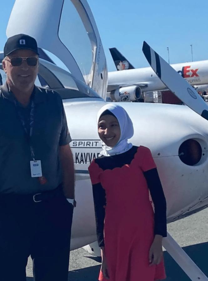 الطيار نيوناكيس مع راما